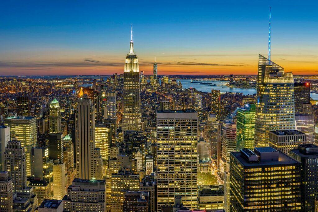 La ciudad de New York planifica reabrir totalmente y sin restricciones el 1 de julio de 2021, así lo anunció hoy su alcalde, Bill de Blasio